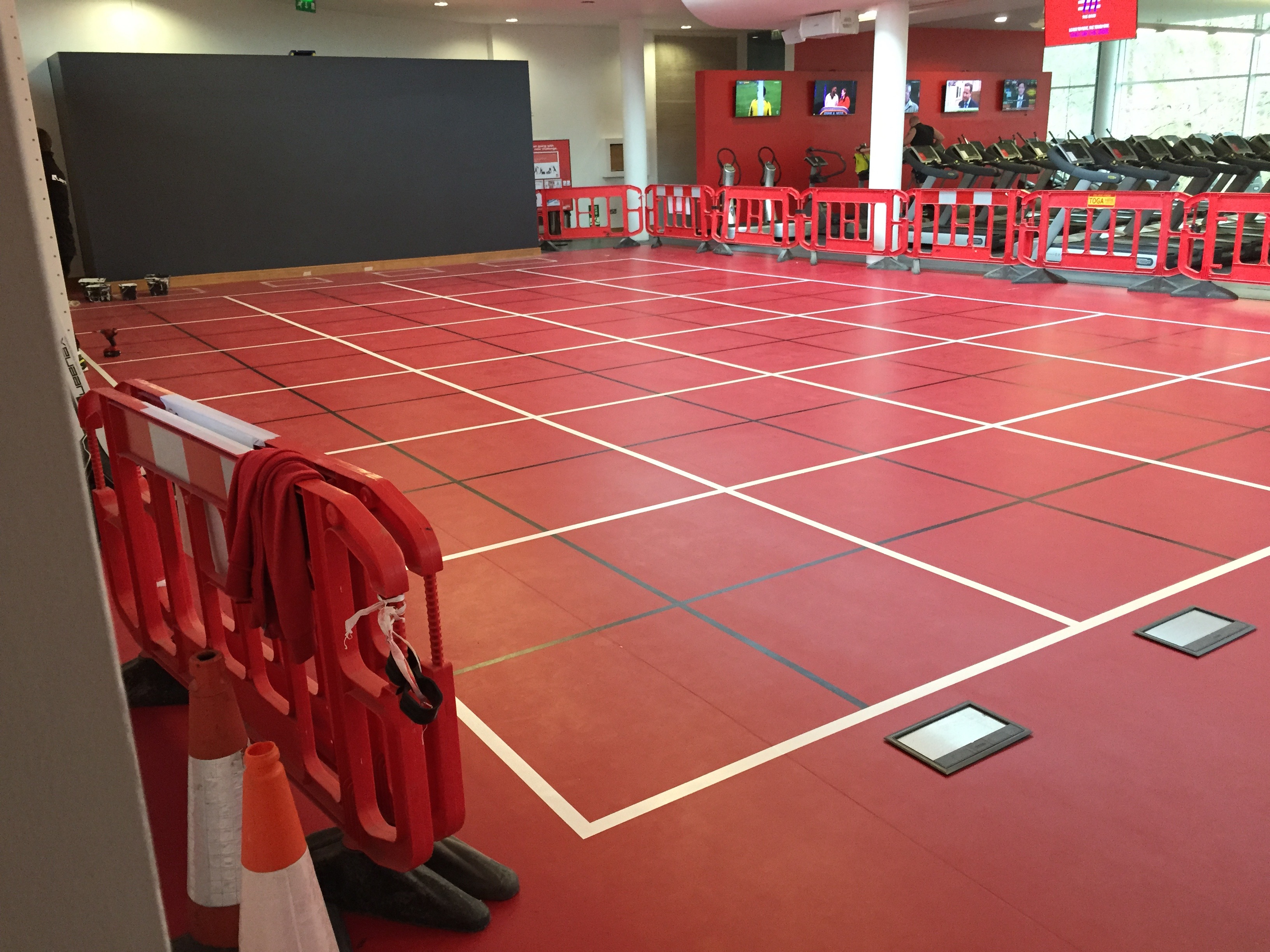 gym commercial painting and decorating hampshire